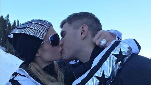 El controvertido anillo de compromiso con el que Paris Hilton dio el sí