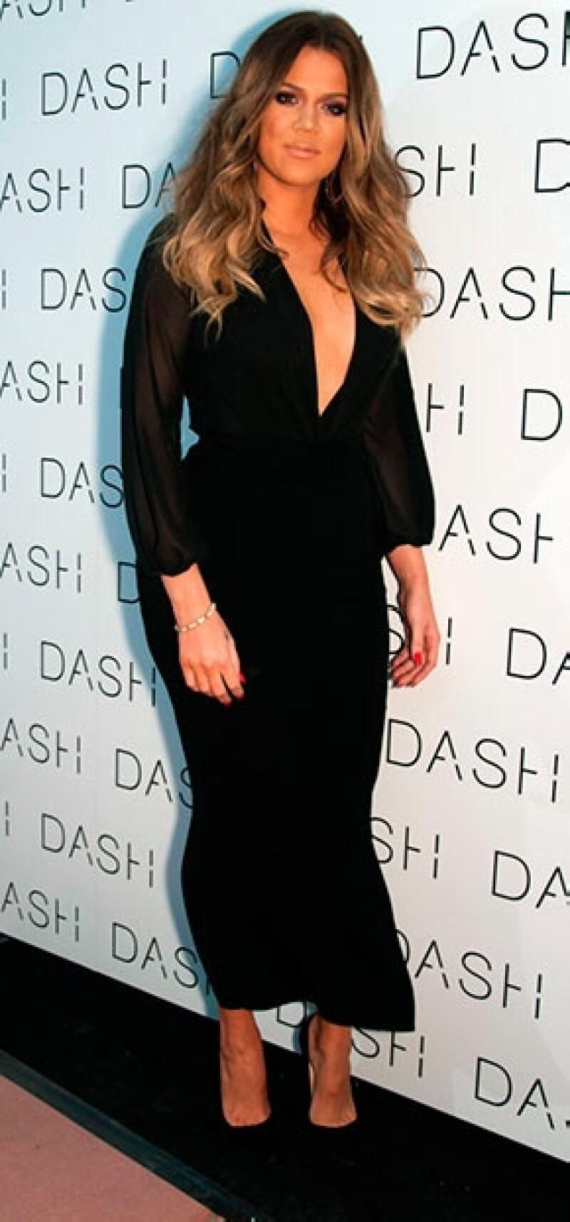 Khloé Kardashian usa collar con nombre de su supuesto nuevo novio a3a66568e11