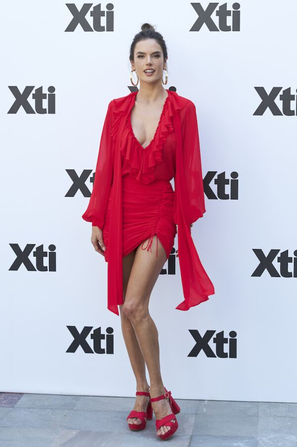 alessandra vestido rojo 3