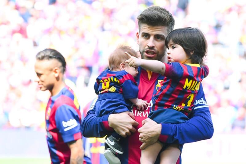El futbolista no pudo ocultar su dicha al tener a sus hijos acompañándolo en el partido del Barca.