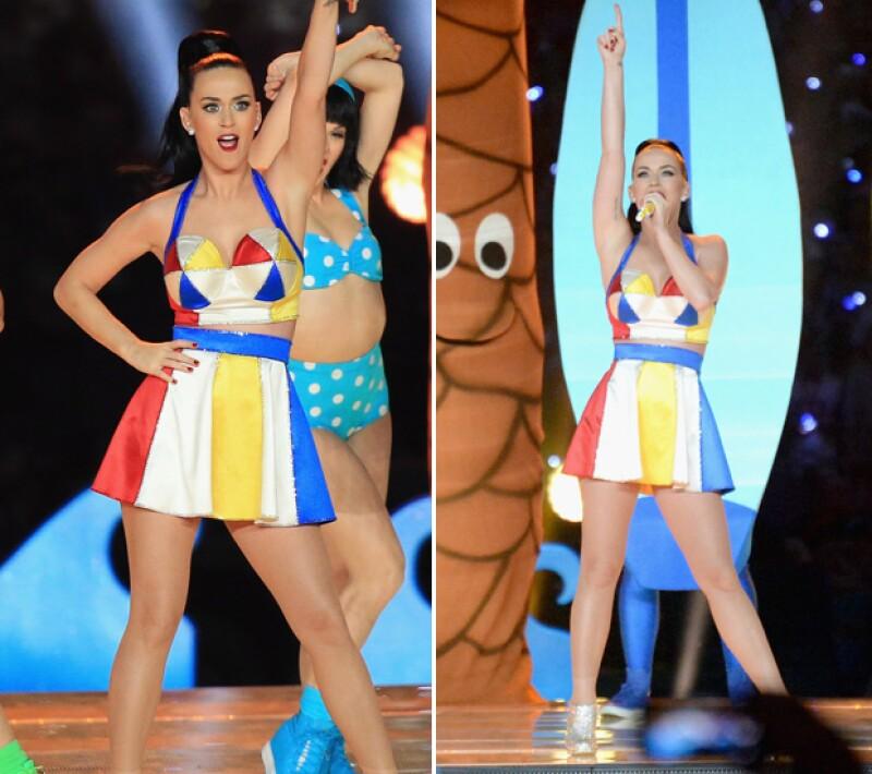 Este fue el atuendo en el que Katy Perry mostró más piel. También el más colorido.