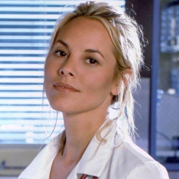 En 1997 entró a la serie la actriz Maria Bello para personificar a la Dra. Anna Del Amico. Su participación fue de 25 episodios y salió en 1998.