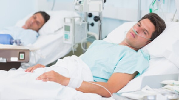 Los hospitales acordaron incrementar precios a aseguradoras, dijo la CFC. (Foto: Getty Images)