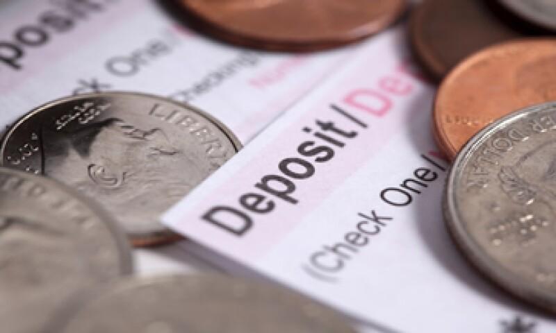 El turismo, la operación de divisas y el comercio exterior son negocio para los bancos pequeños. (Foto: iStock by Getty)