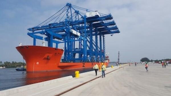 Las grúas para la terminal portuaria ya llegaron a Tuxpan. (Foto: SSA México)