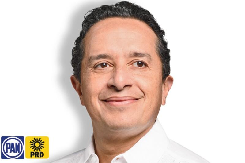 Carlos Manuel Joaquín González.