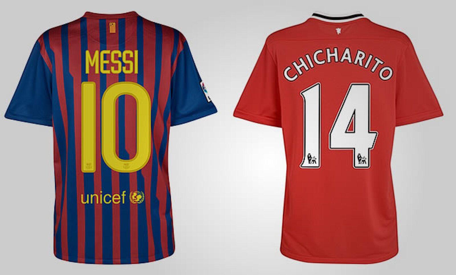 Vestir los colores favoritos de tu equipo tiene un costo que los fanáticos no dudan en desembolsar. Aquí las playeras de Messi y el 'Chicharito' Hernández; cada una cuesta 54.99 libras, algo así como 1,052 pesos más envío.