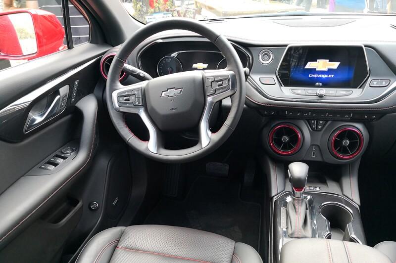 Chevrolet-Blazer-interior.jpg