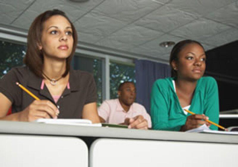 Un profesionista con una maestría en negocios puede ver incrementado su sueldo en 30% en un plazo de 2 años. (Foto: Jupiter Images)