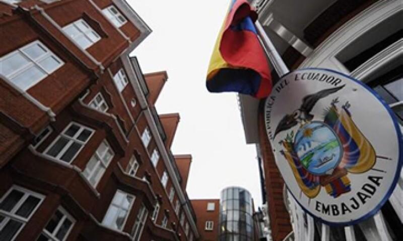 Julian Assange está refugiado en la sede diplomática ecuatoriana en Londres desde el 19 de junio. (Foto: Reuters)