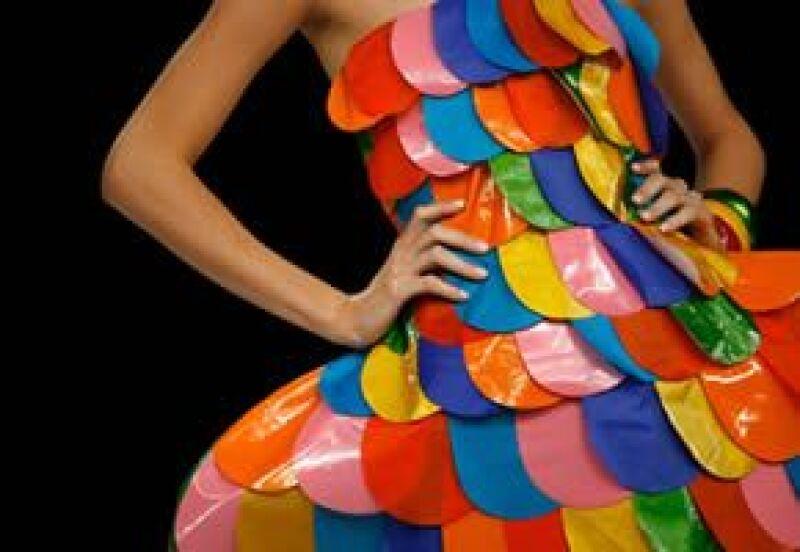 El color y los estampados se apoderaron de la primera noche del festival de moda citadino.