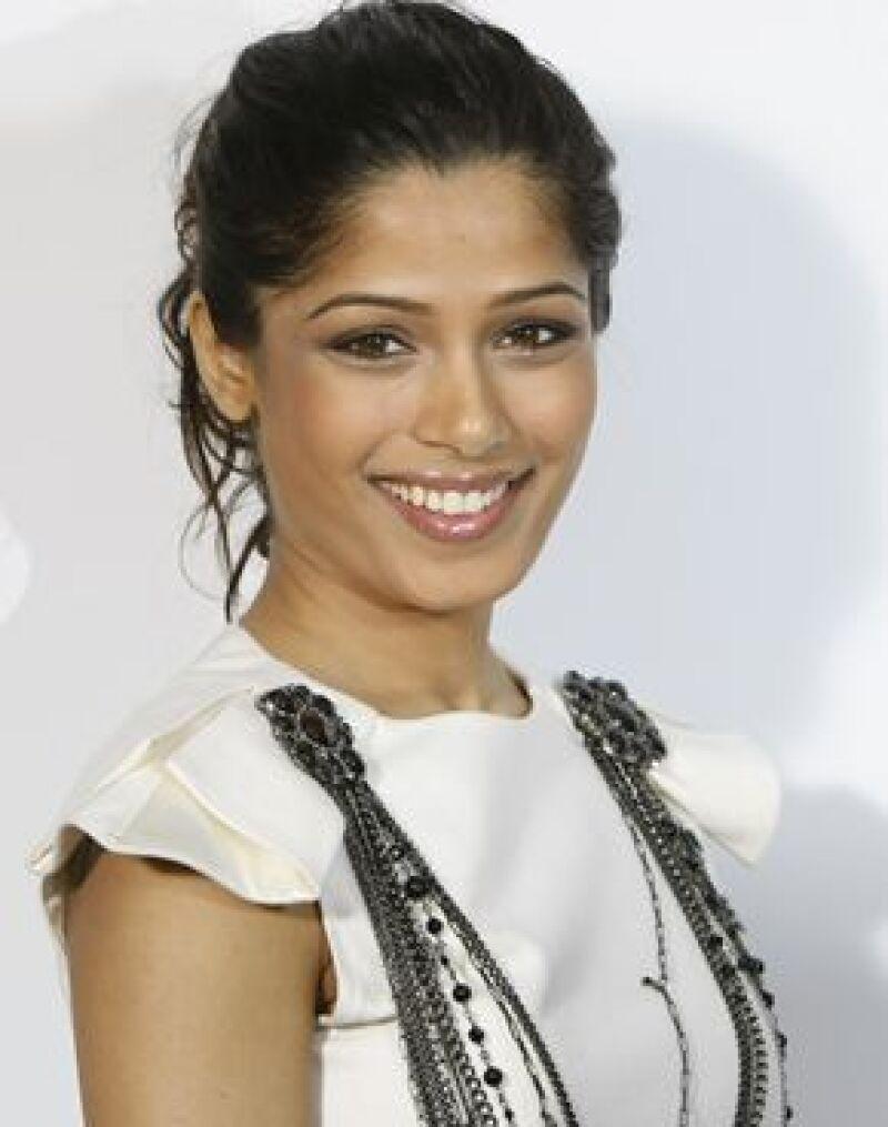 """La actriz de origen hindú, protagonista del multipremiado filme """"Slumdog millionaire"""", desea convertirse en la próxima """"Chica Bond""""."""