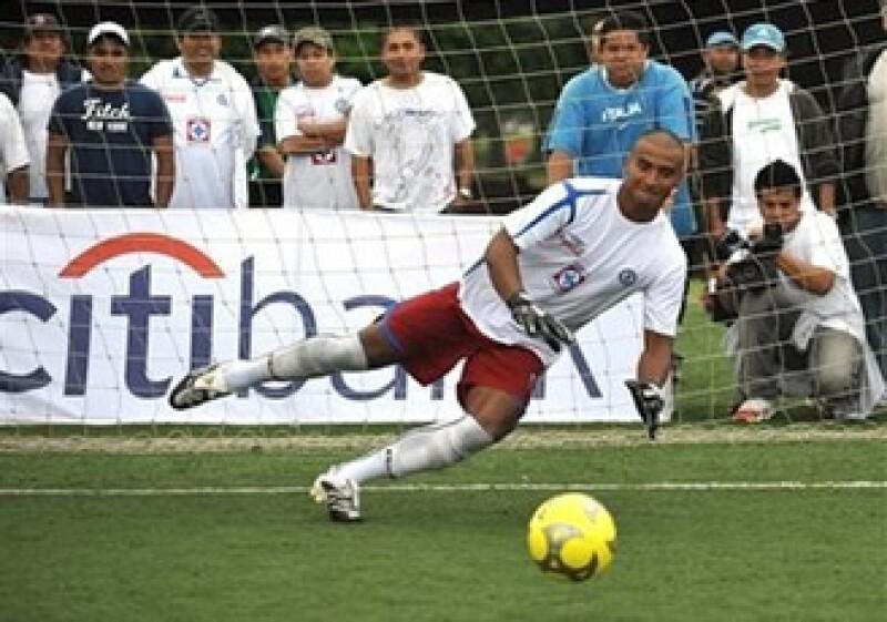 La Fuerza de Trabajo de Acción Financiera advirtió que es más probable que se den casos de corrupción en el futbol. (Foto: AP)