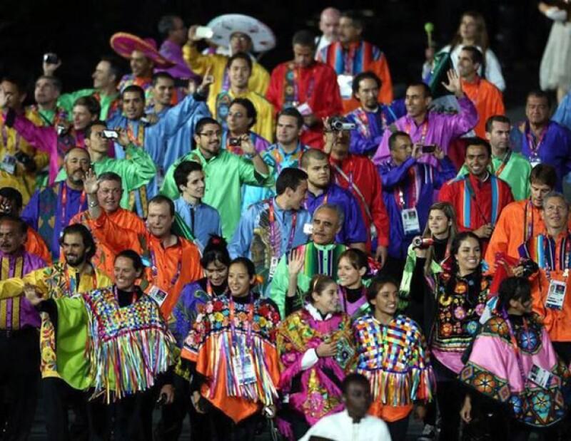 Los trajes que portaron los atletas durante la inauguración de los Juegos Olímpicos alzaron revuelo en las redes sociales.