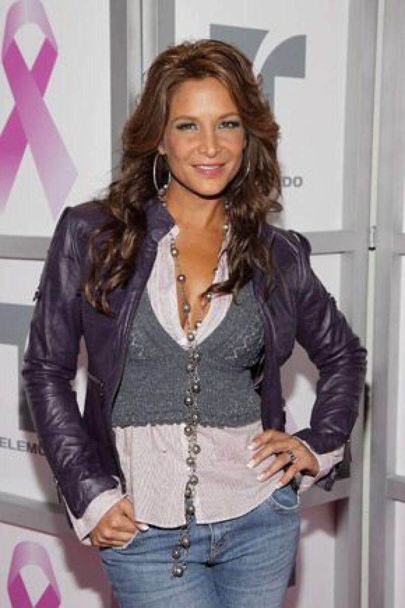 La actriz estará en compañía de sus tres grandes amigas y sus familiares que muy pronto viajarán desde México para estar presente con ella.