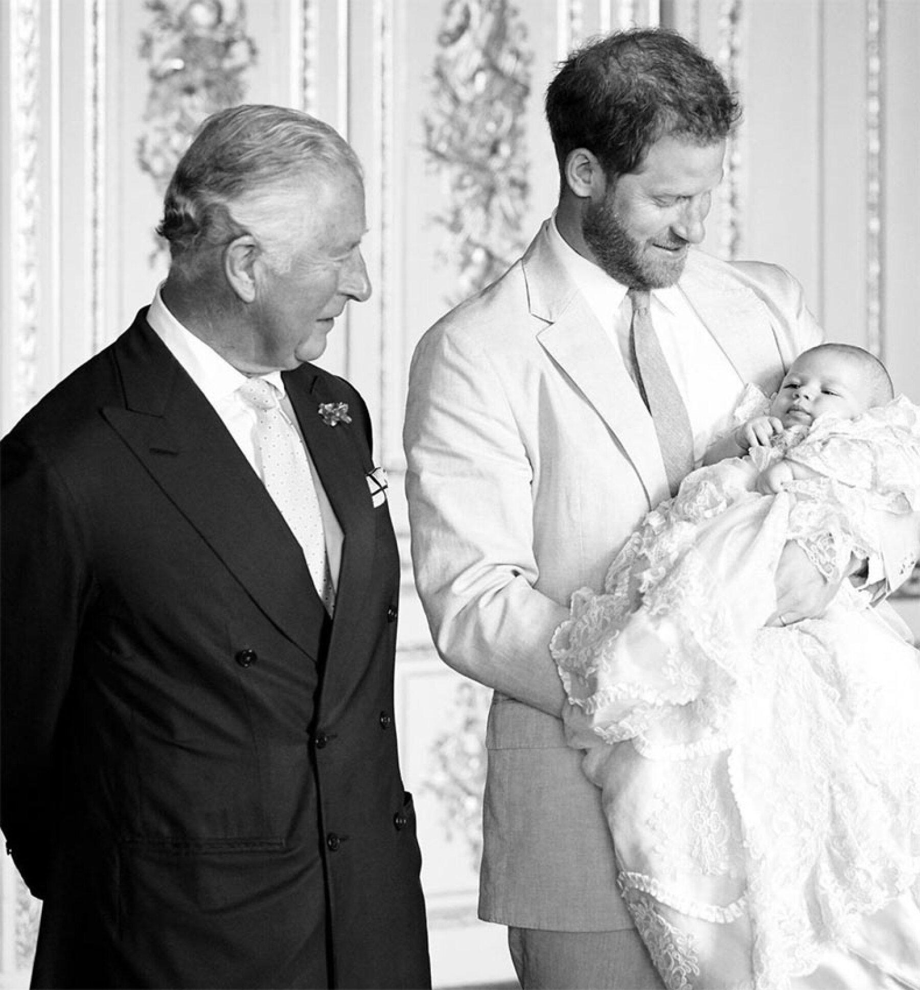 Príncipe Carlos, Harry y Archie