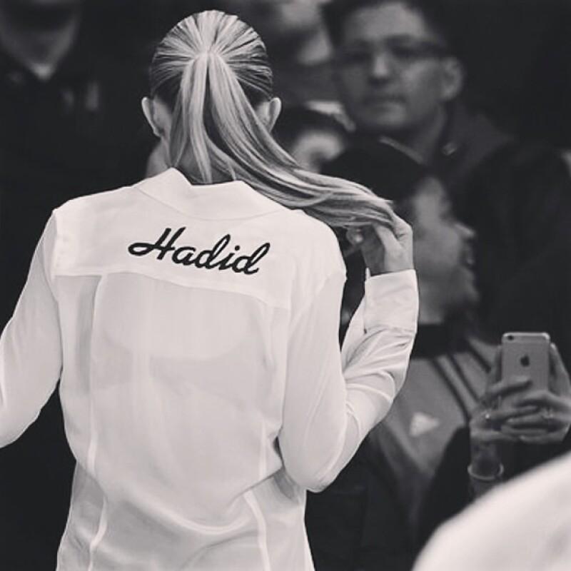 Gigi Hadid logró que todas quisieramos una Dresshirt.