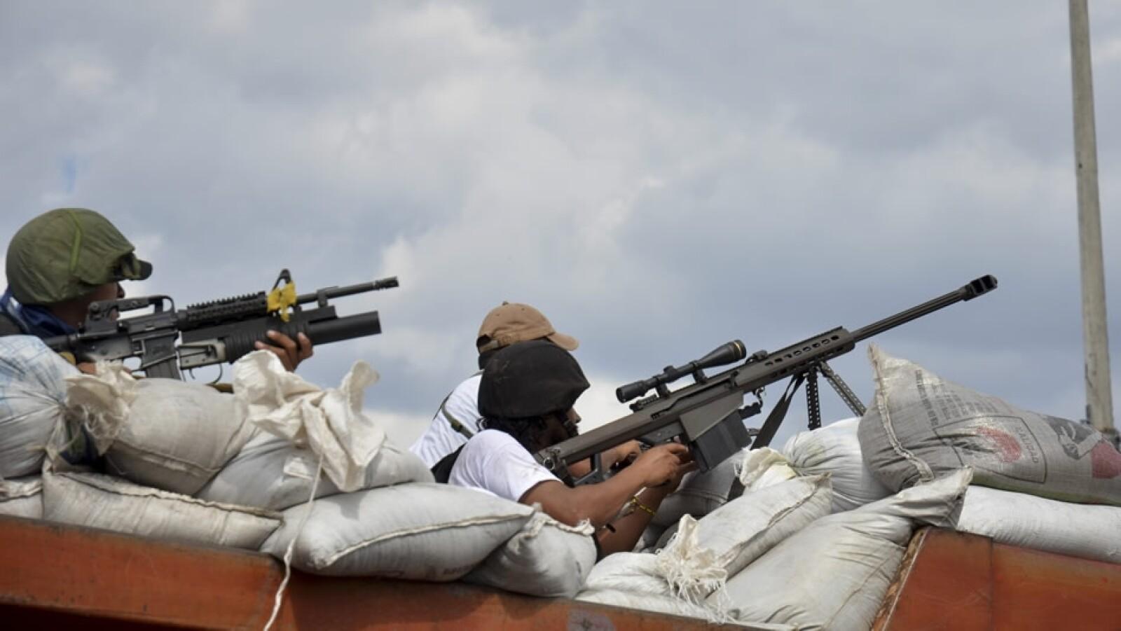 Arsenal de las autodefensas en Michoacan
