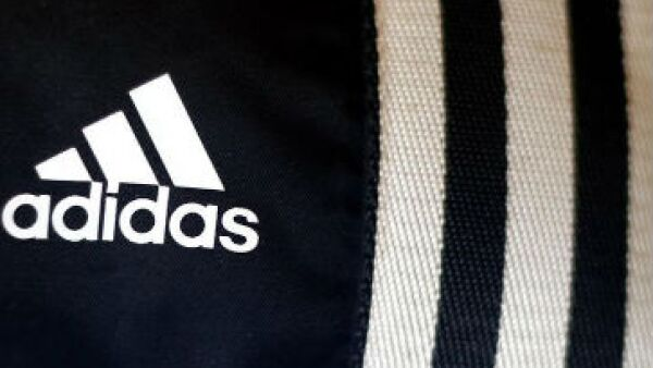 Adidas, patrocinador oficial del Mundial, elabora el balón oficial Brazuka. (Foto: Reuters)