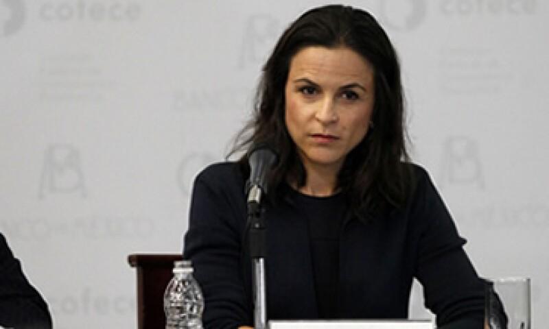 La CFCE, que dirige Alejandra Palacios, tendría un poder amplio para definir y fijar precios sobre insumos esenciales.  (Foto: Notimex)