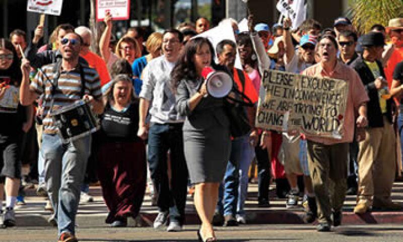 La polícía de San Diego ha tenido que sumar a oficiales de diversas divisiones para vigilar las manifestaciones. (Foto: Thinkstock)
