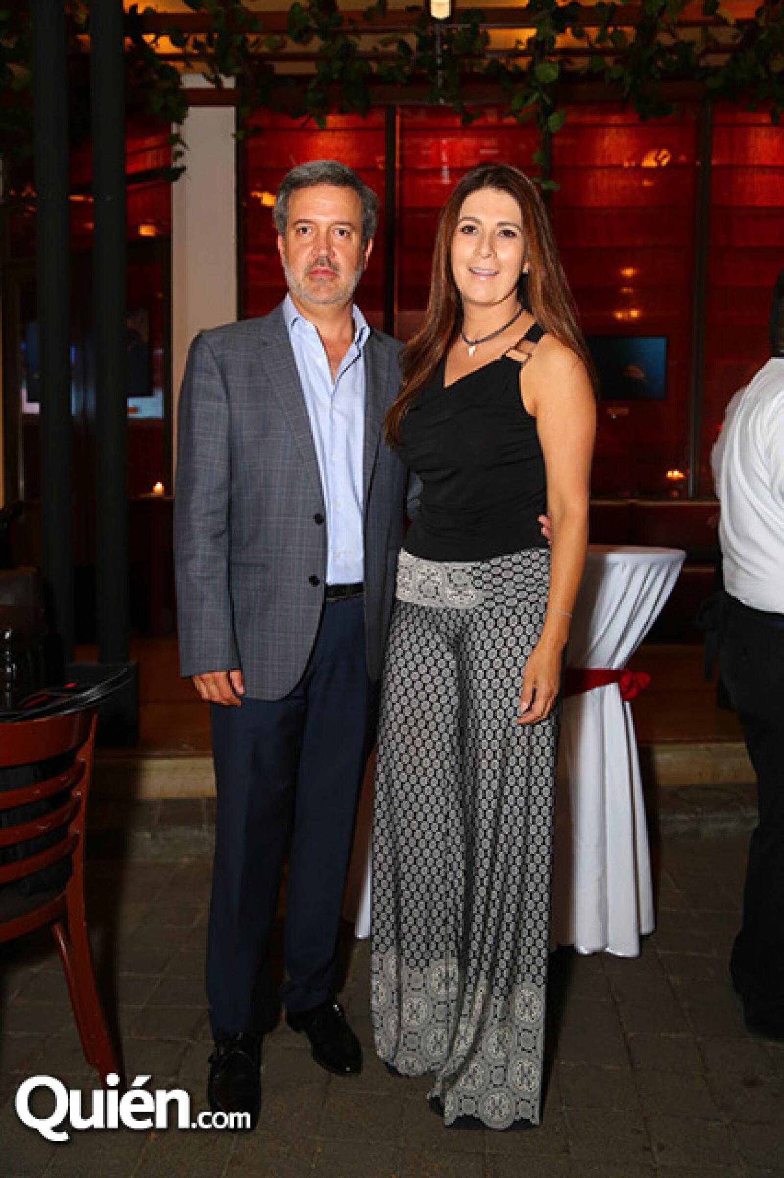 Rodrigo de Villasanta y Jessica Moncada