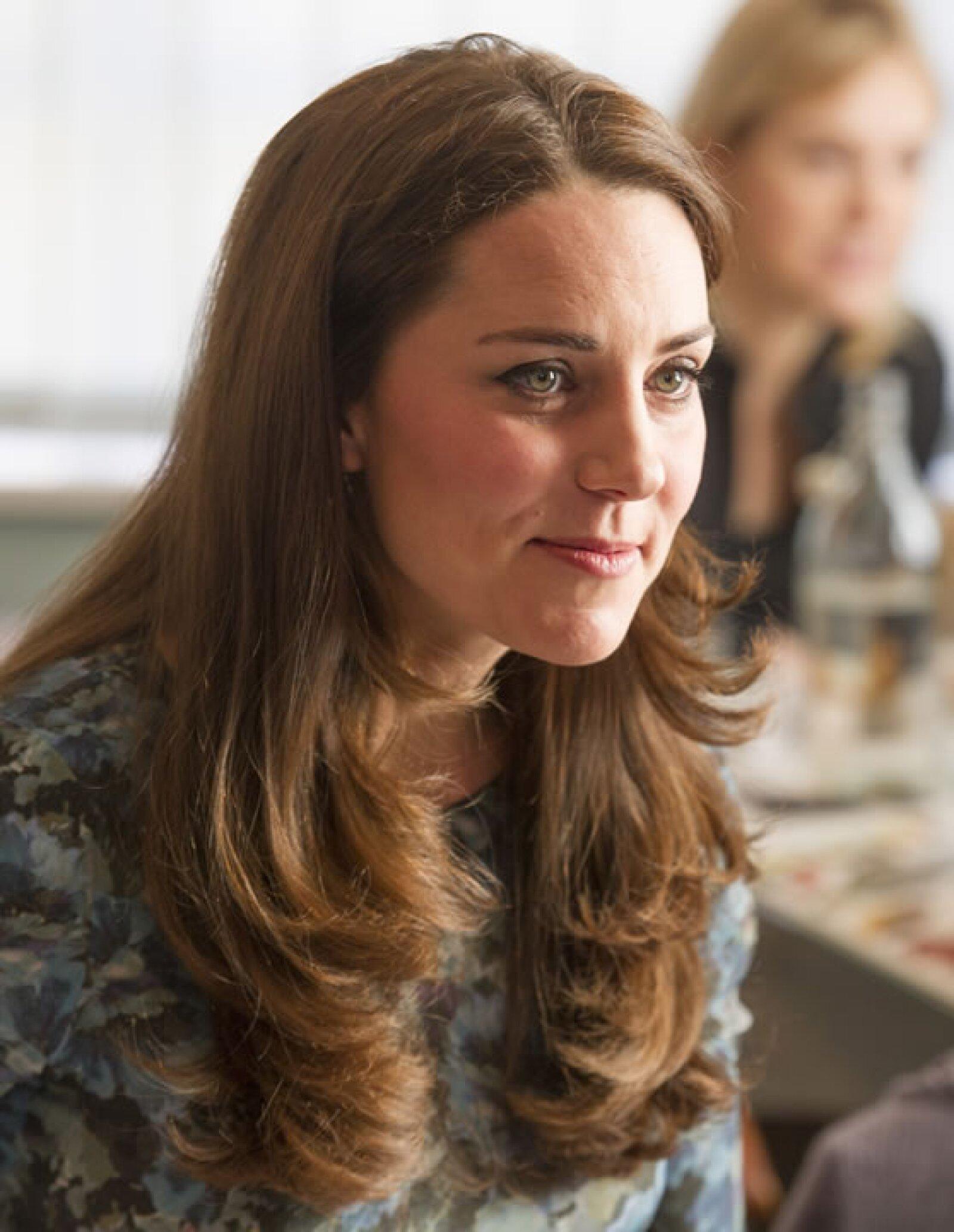 Kate en un café en la fundación Family Friends