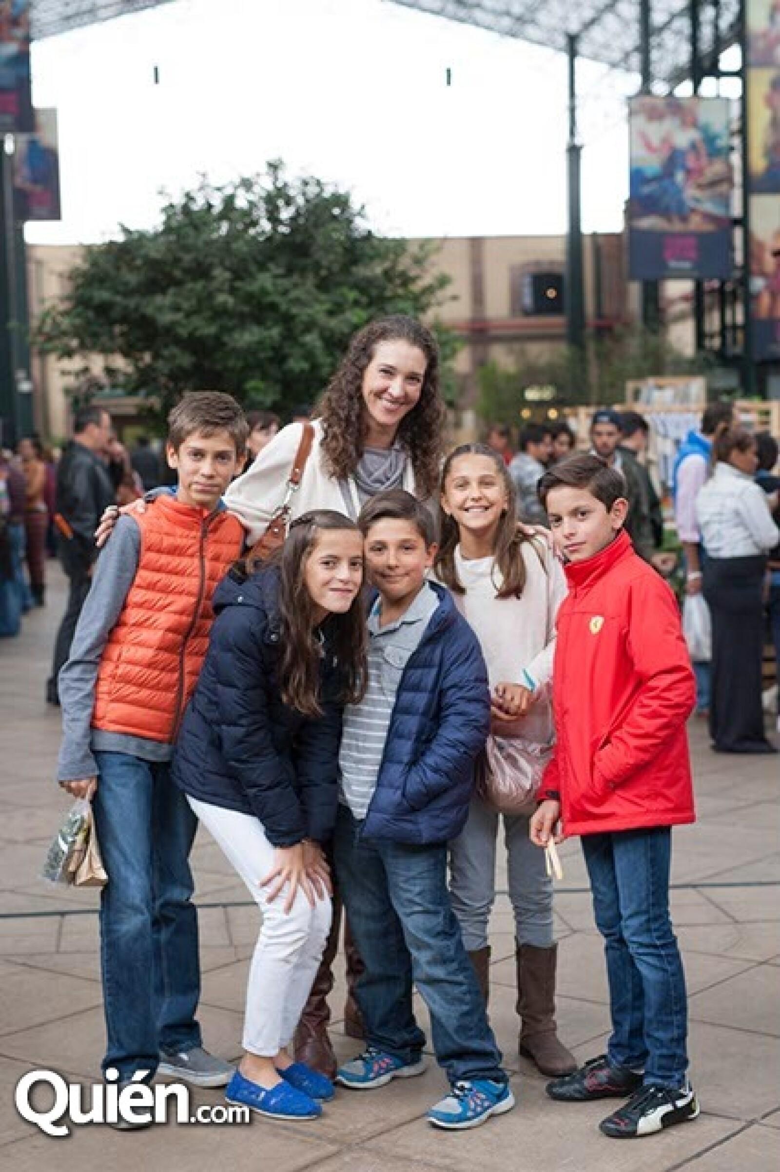 Fernando Ruíz Galindo,Lorenza Carral,Daniela Falcón,Santiago Ruíz Galindo,Ana Ruíz Galindo y Patricio Falcón