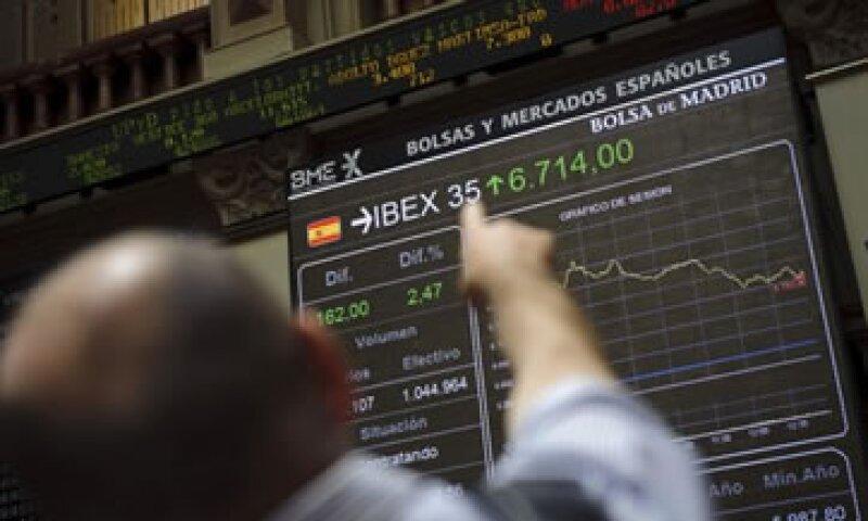 Los expertos afirman que el sur de Europa y los bancos de la zona euro siguen representando un riesgo pese al resultado de las elecciones helenas. (Foto: AP)