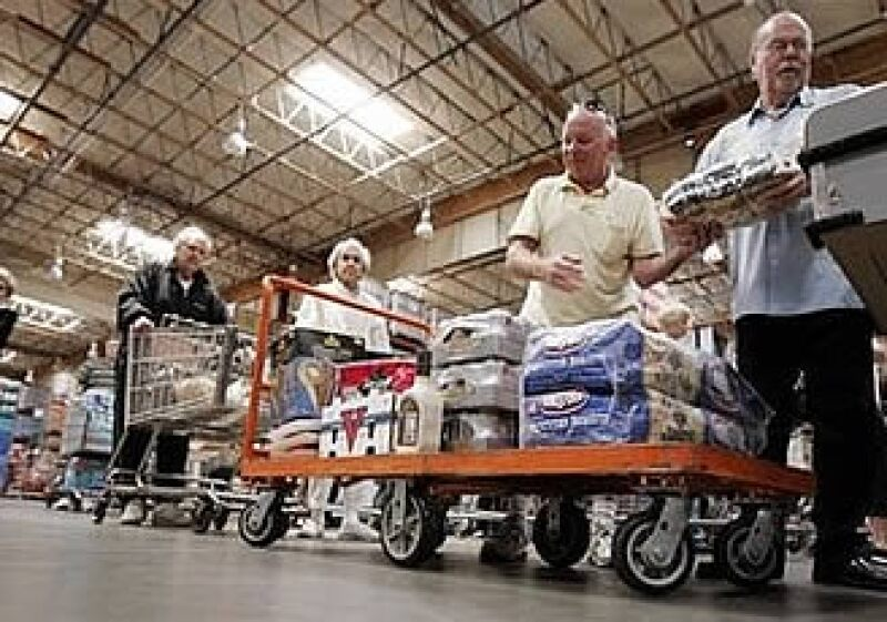 Las ventas minoristas permanecieron sólidas en los productos alimenticios. (Foto: AP)