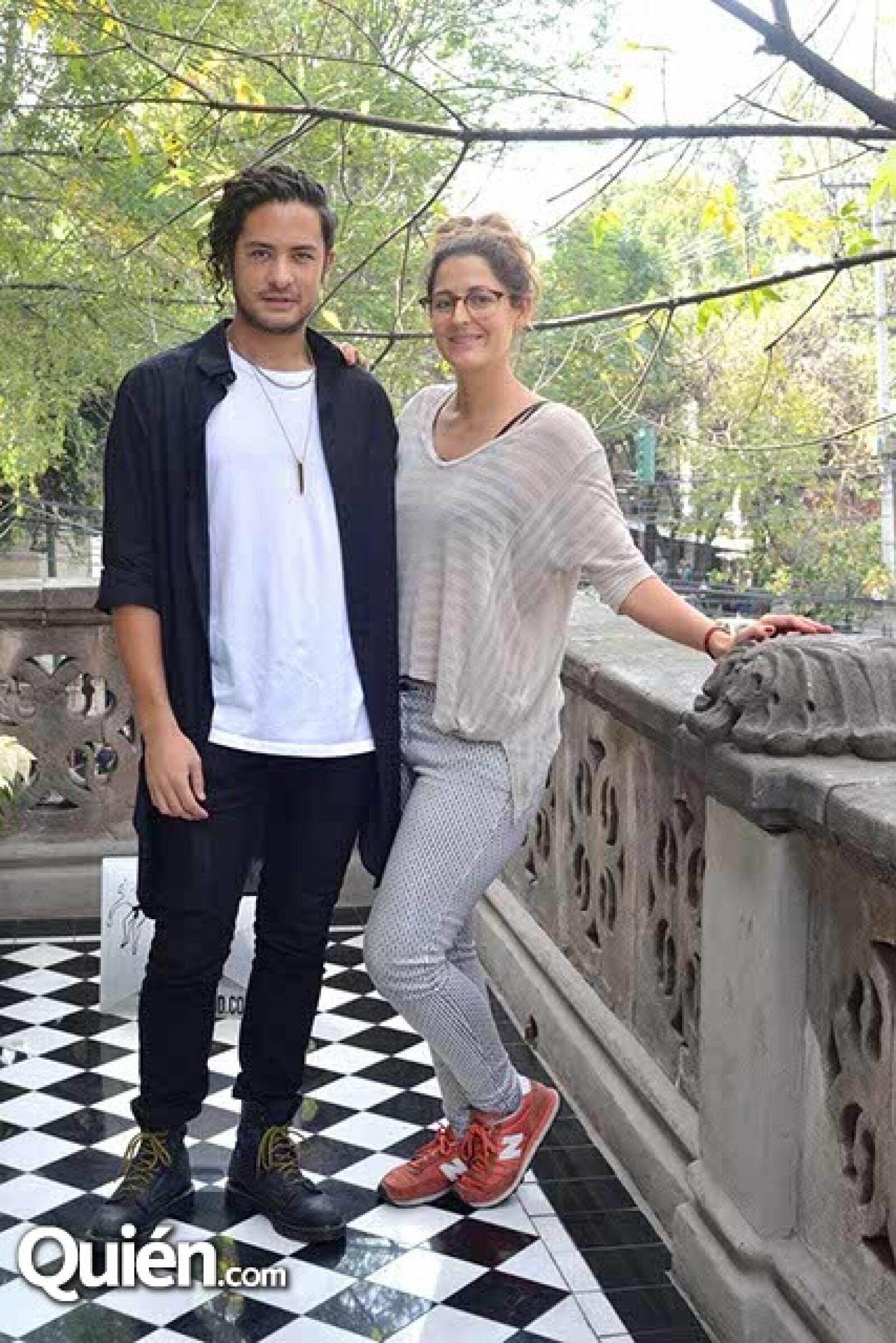 Manolo Penagos y Deborah Vértiz.