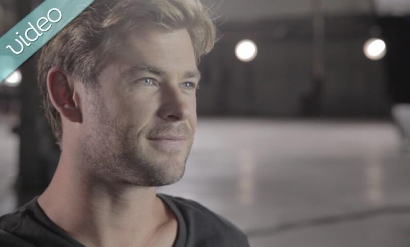 Dejando a un lado el spotlight de Hollywood, Chris Hemsworth nos cuenta quién es, cómo fue su infancia, sus sueños de niño y su vida en familia y en Australia.