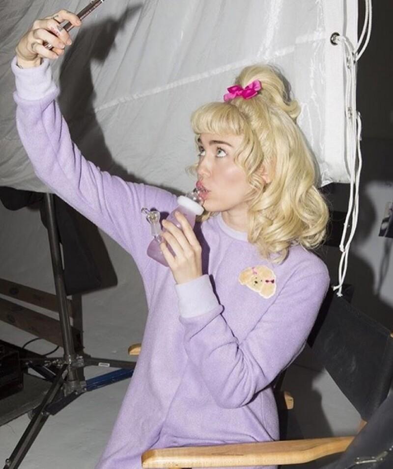 La cantante se mostró feliz de estrenar video.