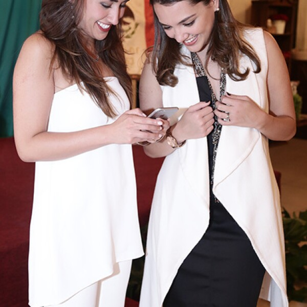 Ana Ortiz y Andrea Flores