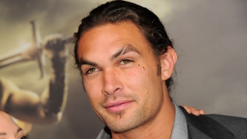 jason momoa aquaman batman v superman
