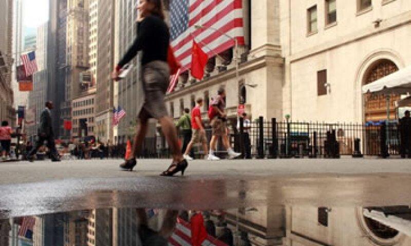Algunos jóvenes sienten remordimiento cuando sus compañeros evidencian los abusos de las grandes corporaciones financieras. (Foto: Getty Images)