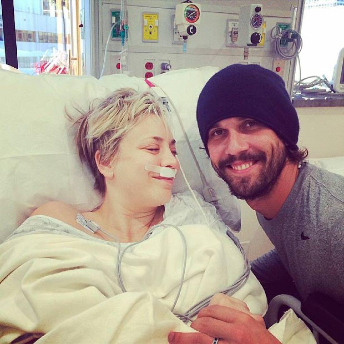 Kaley Cuoco cierra el año en el hospital