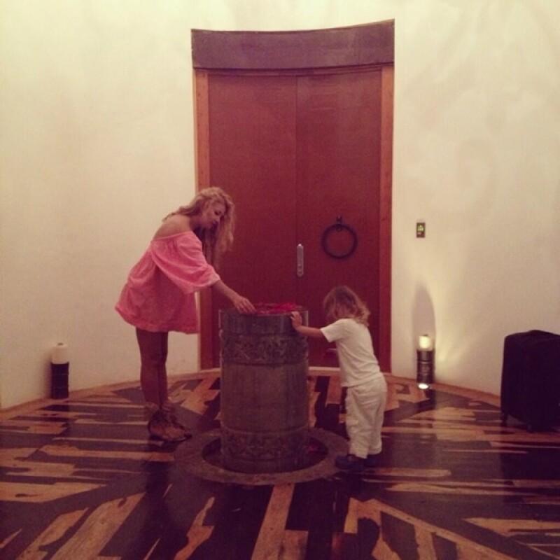 Aquí la tierna foto con Andrea Nicolás.