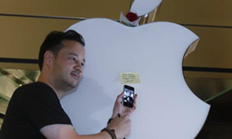 Apple encabeza el ecosistema virtual de las aplicaciones con poco más de 750,000 apps. (Foto: AP)