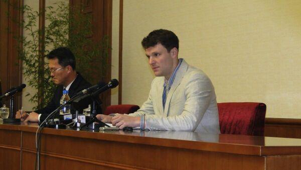 Otto Frederick Warmbier apareció públicamente para confesar su 'delito'. (Foto: Gobierno de Corea del Norte)