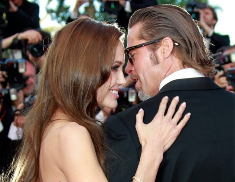 El fin de semana pasado los actores se unieron en matrimonio y aunque lograron ocultarlo, finalmente aparecen detalles del íntimo enlace en una villa francesa.