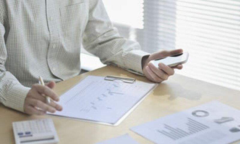 Entre quienes se pusieron al corriente con sus pagos están personas que estaban como no localizados, dijo el SAT. (Foto: Getty Images)