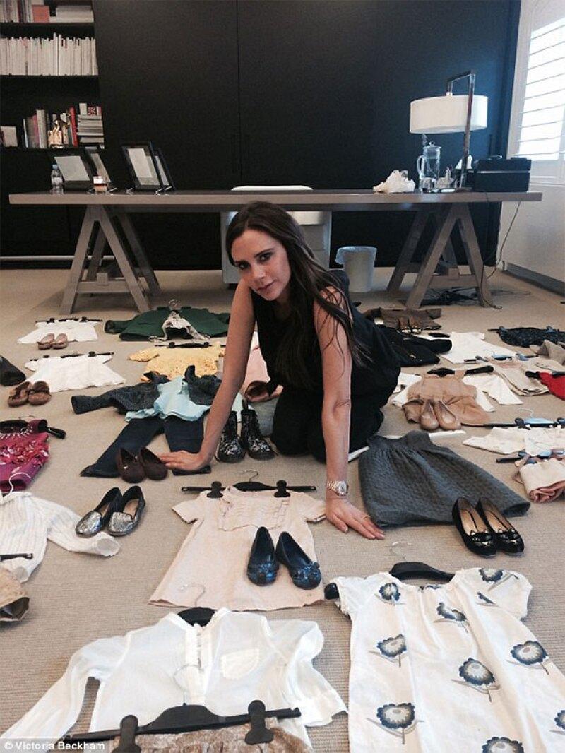 La diseñadora se unió a la causa de Save the Childen poniendo en subasta 25 outfits de Harper.