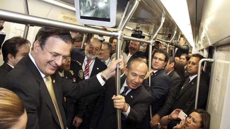 El Jefe de Gobierno Marcelo Ebrard y el presidente Felipe Calderón viajaron en la Línea 12 del Metro..