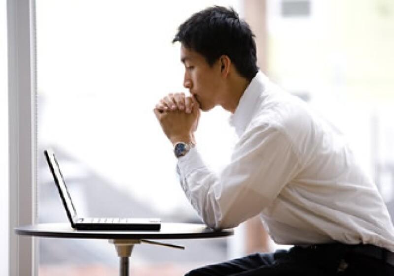 Una computadora con acceso a la red y creatividad bastan para impulsar un negocio. (Foto: Jupiter Images)