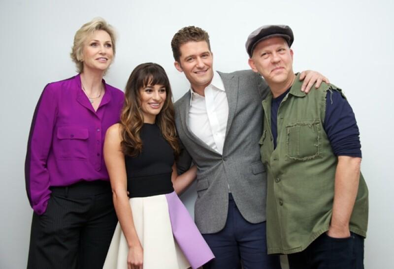 Parte del elenco de la serie Glee: Jane Lynch, Lea Michele, Matthew Morrison y Ryan Murphy
