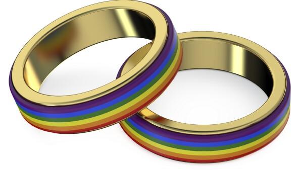 En Aguascalientes persiste la controversia por los matrimonios entre el mismo sexo tras el retiro de un espectacular con dos hombres besándose.