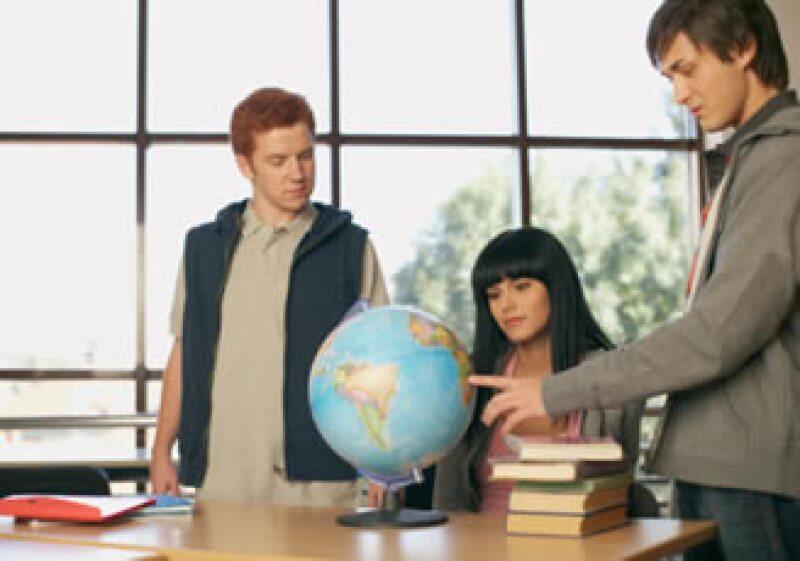 The British Council y Mundo Joven ofrecerán eventos para mostrarte varias oportunidades de estudiar en el extranjero. (Foto: Jupiter Images)