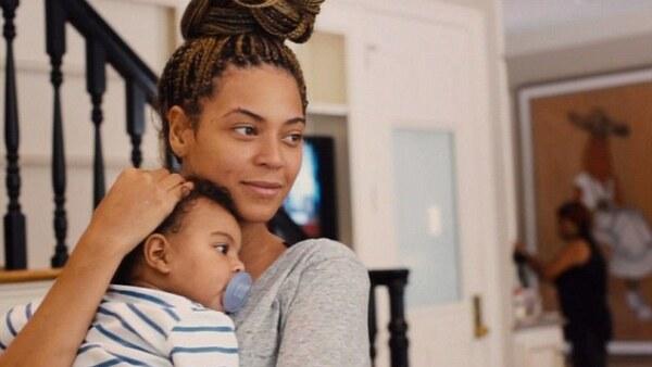 Luego de un año, Beyoncé presentó oficialmente a su pequeña.