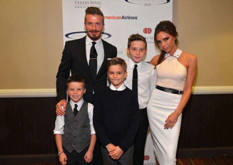 La familia casi completa. David, Victoria con sus hijos Brooklyn, Romeo, Cruz y falta Harper Seven.